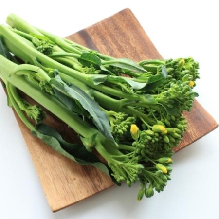 Chinese Broccoli bloemen / Gai-lan of Kailaan – Brassica oleracea var. alboglabra Musil - Eetbare Bloemetjes
